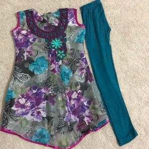 Other - Girls kurti set/ Indian dress ( India size 30)